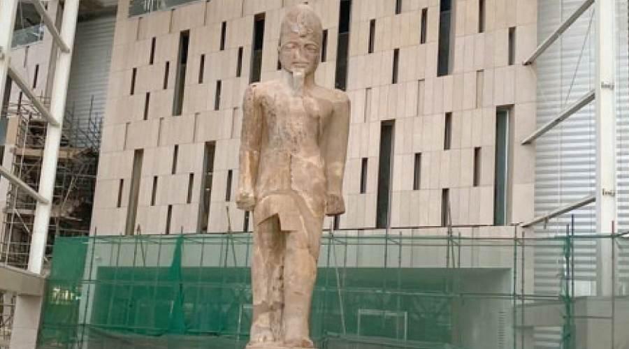 الملك رمسيس الثانى