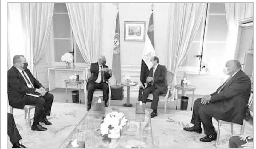 لقاءات ومشاورات رئاسية لم تنقطع طوال زيارة باريس