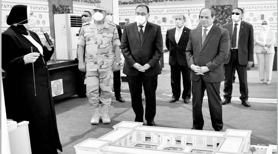 الرئيس يستعرض الآلات والمعدات المشاركة فى مبادرة حياة كريمة