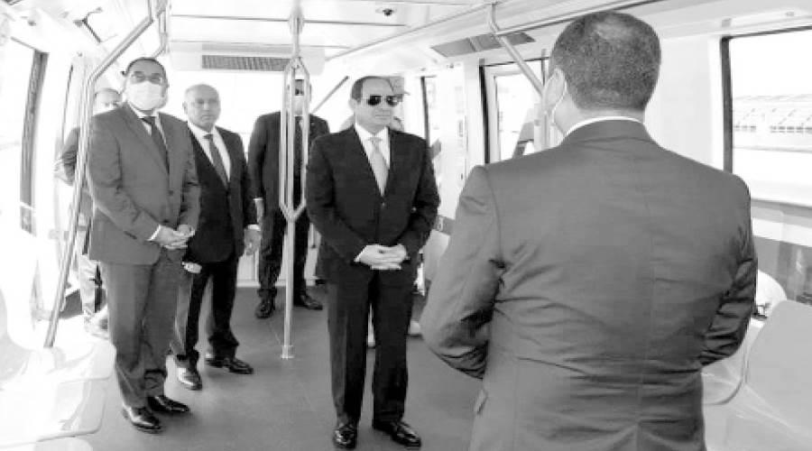 ..و  يتفقد عربات القطارات الجديدة بميناء الإسكندرية